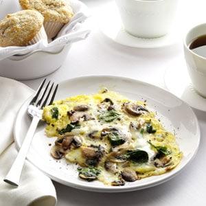 špenátová omeleta s vejci a houbami