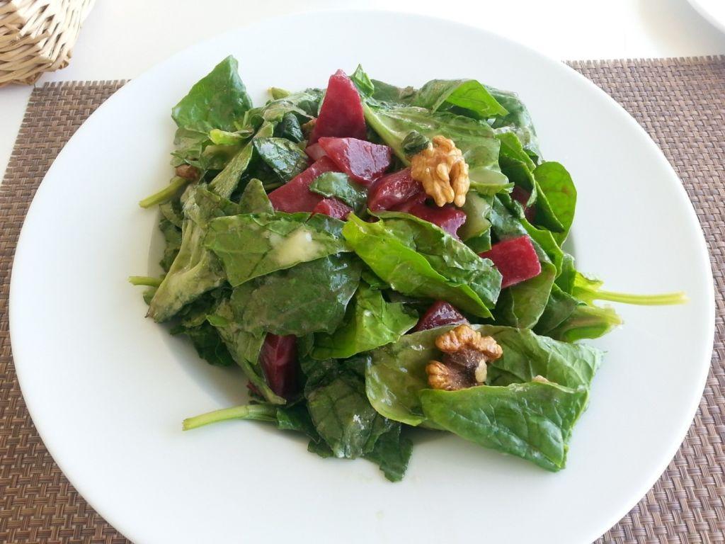 Špenátový salát s cizrnou na hubnutí