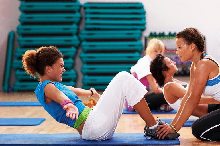 cvičící ženy kardio trénink