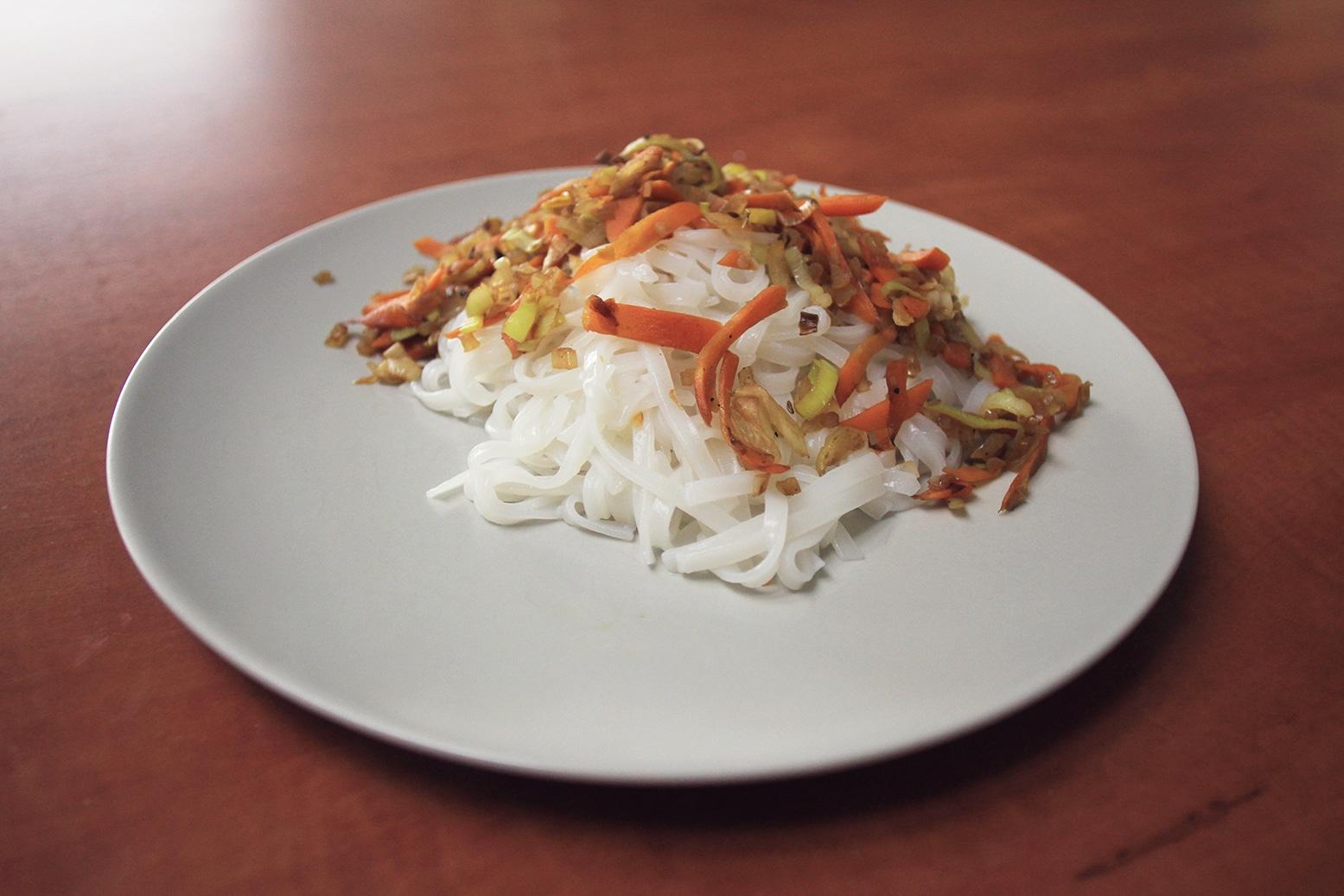 Recept na zeleninou směs s rýžovými nudlemi