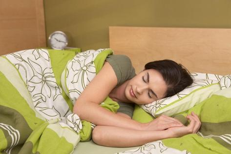 spanek-jako-nastroj-pro-lenochy-na-hubnuti