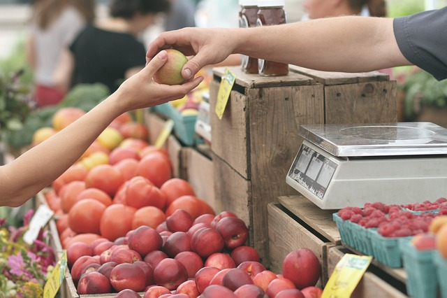 jablka-na-hubnuti-na-trhu