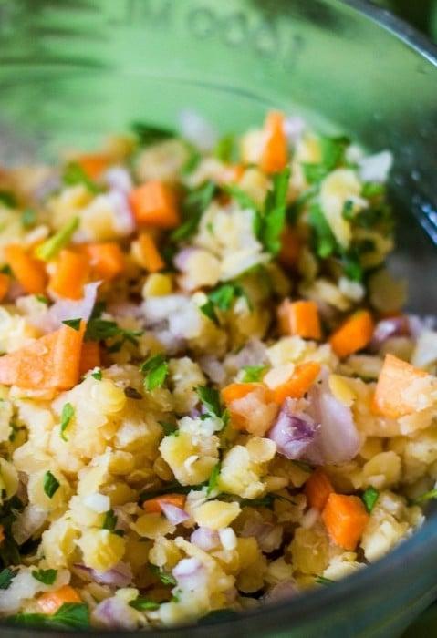 Recept na salát s červenou čočkou