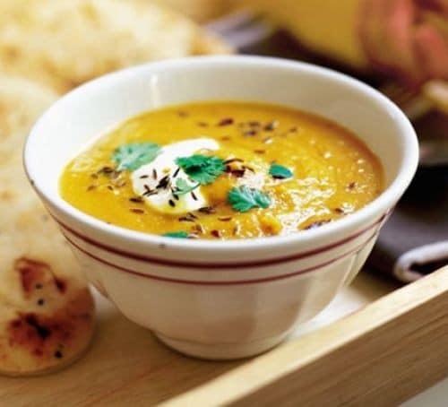 Recept na mrkvovou polévku s červenou čočkou