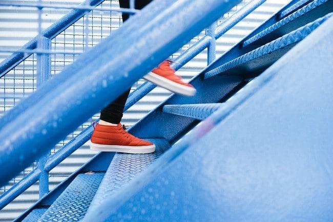 I chození po schodech pomáhá s hubnutím zadku