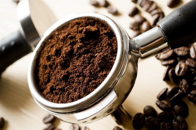 Kávový peeling a jeho vliv na celulitidu