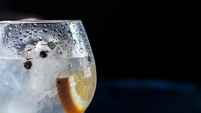 I pitný režim je při hubnutí boků důležitý