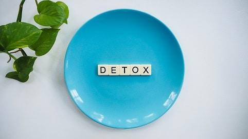 Detox pomůže tělu zbavit se škodlivin, které ukládalo po celá léta.