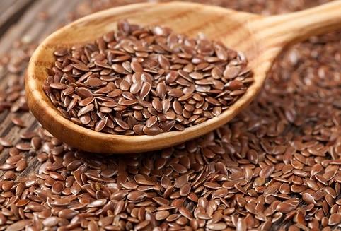 Lněné semínko se řadí mezi potraviny proti rakovině, které zabíjí rakovinné buňky.
