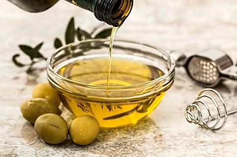 Olivový olej je potravina, která slouží jako prevence proti rakovině.