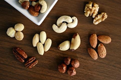Ořechy se řadí mezi potraviny proti rakovině a jsou spojovány se sníženým počtem úmrtí způsobených rakovinou.
