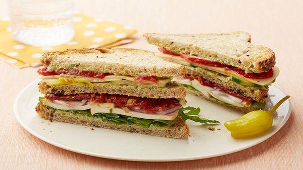 Postup, jak udělat zeleninový sendvič na svačinu
