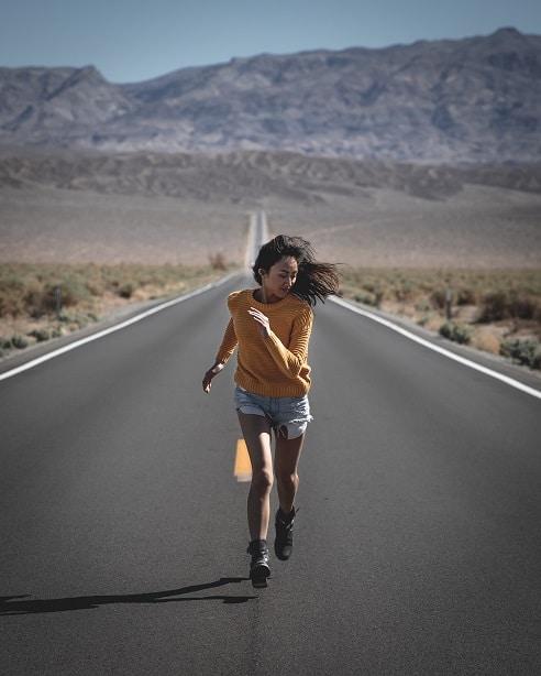 Součástí zdravého hubnutí je nejen správně zvolená strava, ale také pohyb, jako je například běh.