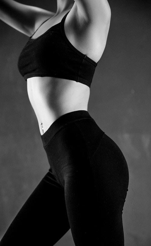 Běhání podporuje hubnutí břišního tuku, ale také v jiných oblastech těla.