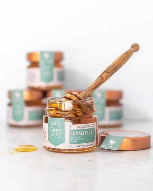 Eukalyptový med má silné antioxidační a protizánětlivé účinky.