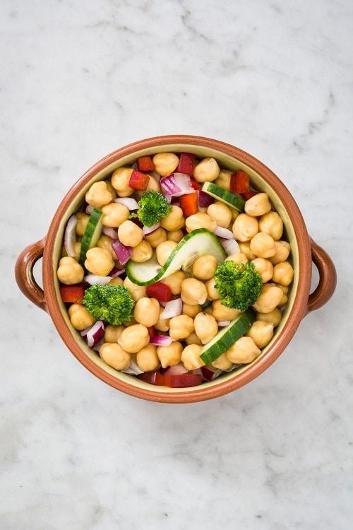 Cizrna je dietním jídlem na hubnutí, které pomáhá spalovat tuky.