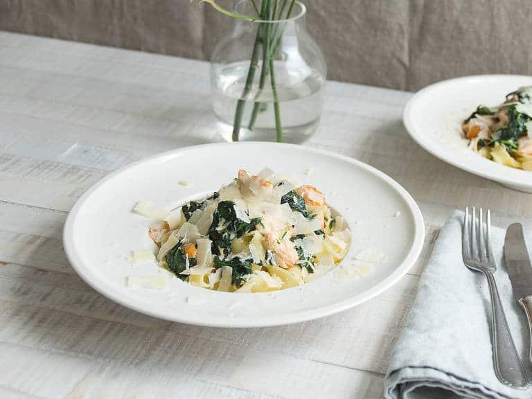 Skvělý recept na tagliatelle s lososem a špenátem