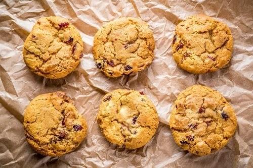 Kulaté sušenky bez cukru pro zdravou snídani.