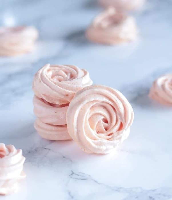 Bezlepkové sněhové pusinky ve tvaru růžiček